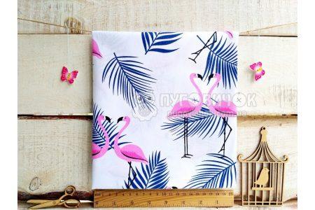"""Тканина польська """"Фламінго рожеві з синьою пальмовою гілкою"""" на білому"""