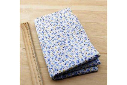 Ткань голубая ассорти 50*50см цветы мелкие разные