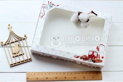 Коробка з крафт-картону білого з віконечком 150*200*30мм з паровозиком