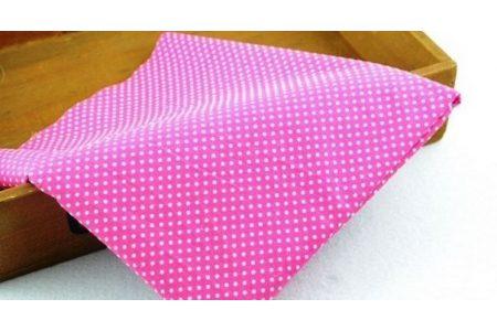 Ткань розовая ассорти 50*50см горох мелкий белый (на малиновом)