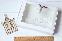 Коробка из крафт-картона белого с окошком 150*200*30мм