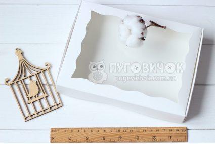 Коробка з крафт-картону білого з віконечком 150*200*30мм