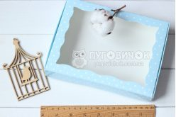 Коробка из крафт-картона с окошком 150*200*30мм горох белый на голубом