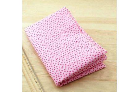 Ткань розовая ассорти 50*50см цветы мелкие малиновые (на розовом)