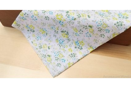 Ткань салатовая ассорти 50*50см цветы мелкие разные с голубым